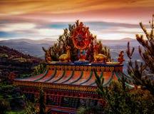 Θιβετιανός βουδιστικός ναός Vajrayana Panillo στην Ισπανία στη Dawn Στοκ Φωτογραφίες