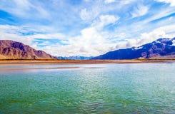 Θιβετιανός ποταμός σκηνή-Lhasa οροπέδιων Στοκ φωτογραφία με δικαίωμα ελεύθερης χρήσης