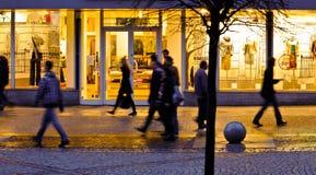 θολωμένοι άνθρωποι πόλεω& Στοκ εικόνες με δικαίωμα ελεύθερης χρήσης
