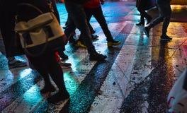 Θολωμένη περίληψη εικόνα των οδών NYC μετά από τη βροχή με το reflectio Στοκ Φωτογραφίες