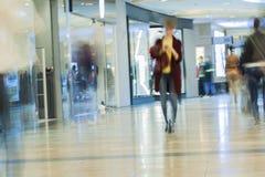 Θολωμένη περίληψη λεωφόρος αγορών για το υπόβαθρο Στοκ φωτογραφία με δικαίωμα ελεύθερης χρήσης
