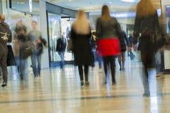 Θολωμένη περίληψη λεωφόρος αγορών για το υπόβαθρο Στοκ εικόνες με δικαίωμα ελεύθερης χρήσης