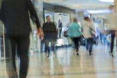 Θολωμένη περίληψη λεωφόρος αγορών για το υπόβαθρο Στοκ Φωτογραφία