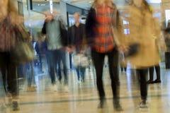 Θολωμένη περίληψη λεωφόρος αγορών για το υπόβαθρο Στοκ Φωτογραφίες