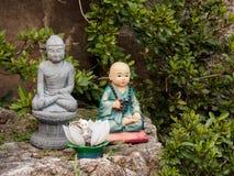 Θρησκευτική εικόνα και κούκλα Στοκ εικόνα με δικαίωμα ελεύθερης χρήσης