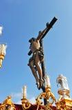 Θρησκευτική πομπή σε Triana, ιερή εβδομάδα στη Σεβίλη, Ανδαλουσία, Ισπανία στοκ φωτογραφία