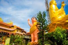 Θρησκευτικό μνημείο, ο καθισμένος χρυσός Βούδας Στοκ Φωτογραφίες