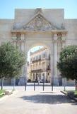 Θριαμβευτική αψίδα της ιταλικής πόλης Lecce, Salento Στοκ Φωτογραφίες