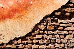θρυμματιμένος τοίχος Στοκ Φωτογραφίες