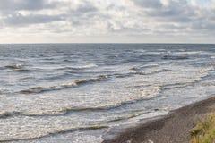 Θυελλώδης ακτή θάλασσας Στοκ Εικόνες