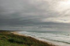 Θυελλώδης καιρός θαλασσίως, Tarifa, Ισπανία Στοκ Εικόνες
