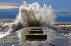 Θυελλώδης καιρός στη Μαύρη Θάλασσα σε Divnomorsk Στοκ Εικόνες