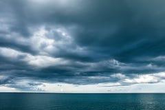 Θυελλώδης ουρανός στη θάλασσα Στοκ Εικόνα