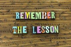 Θυμηθείτε ότι το μάθημα ξεχνά το λάθος μετά από την τυπωμένη ύλη χρονικής τυπογραφίας στοκ εικόνα με δικαίωμα ελεύθερης χρήσης