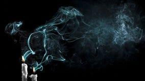 Θυσιαστικοί καπνοί ενός κεριού στοκ φωτογραφία με δικαίωμα ελεύθερης χρήσης