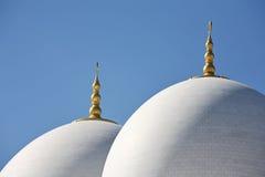 Θόλοι Sheikh του μουσουλμανικού τεμένους Zayed στο Αμπού Νταμπί Στοκ Εικόνες