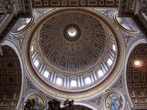 Θόλος καθεδρικών ναών του ST Peter στοκ φωτογραφία με δικαίωμα ελεύθερης χρήσης