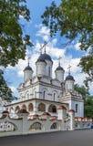 , θόλος, σταυρός, καλοκαίρι, καθεδρικός ναός σε Bolshie Vyazyomy, Ρωσία Στοκ Φωτογραφίες