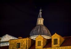 Θόλος τη νύχτα Dubrovnik εκκλησιών Στοκ Εικόνες