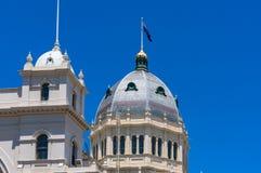 Θόλος του βασιλικού κτηρίου έκθεσης με την αυστραλιανή σημαία Στοκ φωτογραφία με δικαίωμα ελεύθερης χρήσης
