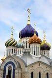 Θόλοι πορσελάνης του μεγάλου πρίγκηπα Igor Cathedral σε Peredelkino στοκ φωτογραφία με δικαίωμα ελεύθερης χρήσης