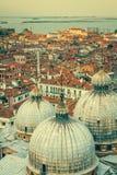 Θόλοι της βασιλικής SAN Marco στη Βενετία στοκ φωτογραφία με δικαίωμα ελεύθερης χρήσης