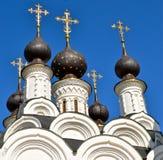 Θόλοι της μονής τριάδας Αγίου σε Murom, Ρωσία στοκ εικόνα