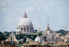 Θόλος καθεδρικών ναών του ST Peter σε Βατικανό Στοκ Εικόνα