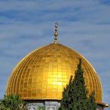 Θόλος μουσουλμανικών τεμενών βράχου της Ιερουσαλήμ με τις αντανακλάσεις 2012 ήλιων Στοκ Φωτογραφία