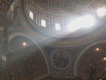 Θόλος της βασιλικής Αγίου Peter Στοκ Εικόνες