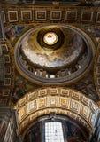 Θόλος της βασιλικής του ST Peter στη πόλη του Βατικανού Στοκ φωτογραφία με δικαίωμα ελεύθερης χρήσης