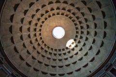 Θόλος του pantheon στην πόλη της Ρώμης Στοκ Φωτογραφίες