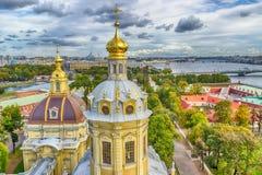 Θόλος Peter και η τοπ Αγία Πετρούπολη πανοράματος άποψης καθεδρικών ναών του Paul στοκ φωτογραφία με δικαίωμα ελεύθερης χρήσης