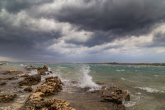 Θύελλα πέρα από την αδριατική θάλασσα, με το όμορφο δραματικό cloudscape Στοκ Εικόνα