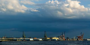 Θύελλα πέρα από το λιμάνι της Νέας Υόρκης Στοκ φωτογραφίες με δικαίωμα ελεύθερης χρήσης