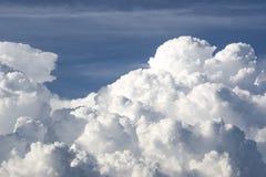 Θύελλα σύννεφων, cumulonimbus σύννεφα, ταχεία κάθετη ανάπτυξη Στοκ Φωτογραφία