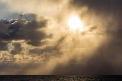 Θύελλα στο ηλιοβασίλεμα Στοκ εικόνες με δικαίωμα ελεύθερης χρήσης