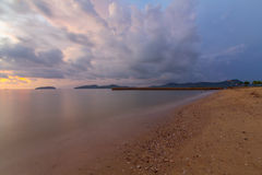 Θύελλα σύννεφων στην παραλία Στοκ εικόνες με δικαίωμα ελεύθερης χρήσης