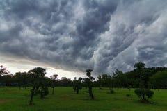Θύελλα σύννεφων στο πάρκο Στοκ Εικόνες