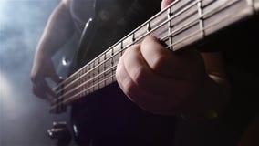 Θλίψη και ηλεκτρική βαθιά κιθάρα σειράς κίνηση αργή Τοπ όψη φιλμ μικρού μήκους