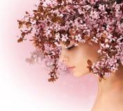 διάνυσμα άνοιξη απεικόνισης κοριτσιών 10 eps Όμορφη γυναίκα με το άνθος κερασιών Στοκ Εικόνα