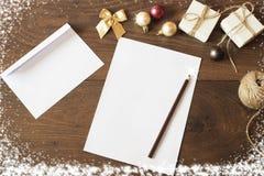 διάνυσμα απεικόνισης διακοσμήσεων Χριστουγέννων ανασκόπησης Σχέδιο συνόρων Χριστουγέννων στο ξύλινο υπόβαθρο Στοκ Εικόνες