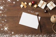 διάνυσμα απεικόνισης διακοσμήσεων Χριστουγέννων ανασκόπησης Σχέδιο συνόρων Χριστουγέννων στο ξύλινο υπόβαθρο ] Στοκ Εικόνες
