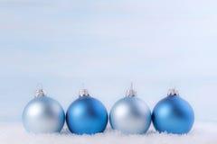διάνυσμα απεικόνισης Χριστουγέννων eps10 σφαιρών ανασκόπησης Στοκ φωτογραφία με δικαίωμα ελεύθερης χρήσης