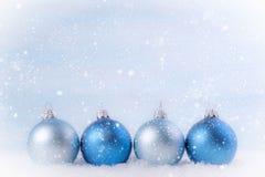 διάνυσμα απεικόνισης Χριστουγέννων eps10 σφαιρών ανασκόπησης Στοκ εικόνες με δικαίωμα ελεύθερης χρήσης