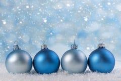 διάνυσμα απεικόνισης Χριστουγέννων eps10 σφαιρών ανασκόπησης Στοκ Φωτογραφίες