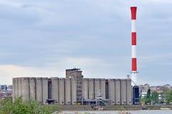 διάνυσμα εργοστασίων καπνοδόχων τέχνης Στοκ εικόνα με δικαίωμα ελεύθερης χρήσης