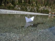 διάνυσμα σχεδίου εγγράφου origami κατασκευής σχεδιαγράμματος βαρκών Στοκ εικόνα με δικαίωμα ελεύθερης χρήσης