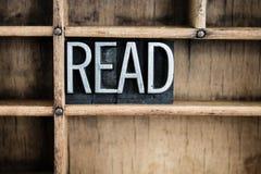 Διαβάστε Letterpress Word μετάλλων έννοιας στο συρτάρι Στοκ φωτογραφίες με δικαίωμα ελεύθερης χρήσης