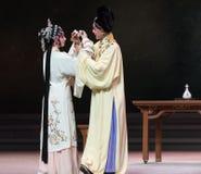 """διαγώνιος-κοίλος την κρασί-τρίτη πράξη αρσενικό κίτρινο κρασί-Kunqu Opera""""Madame άσπρο Snake† Στοκ Φωτογραφία"""